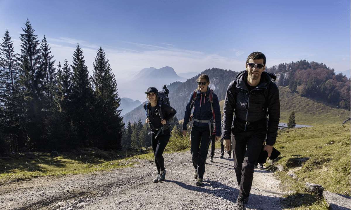 Our colleagues Svenja, Catharina and Camillo are going up the mountain on the Imago hiking day.