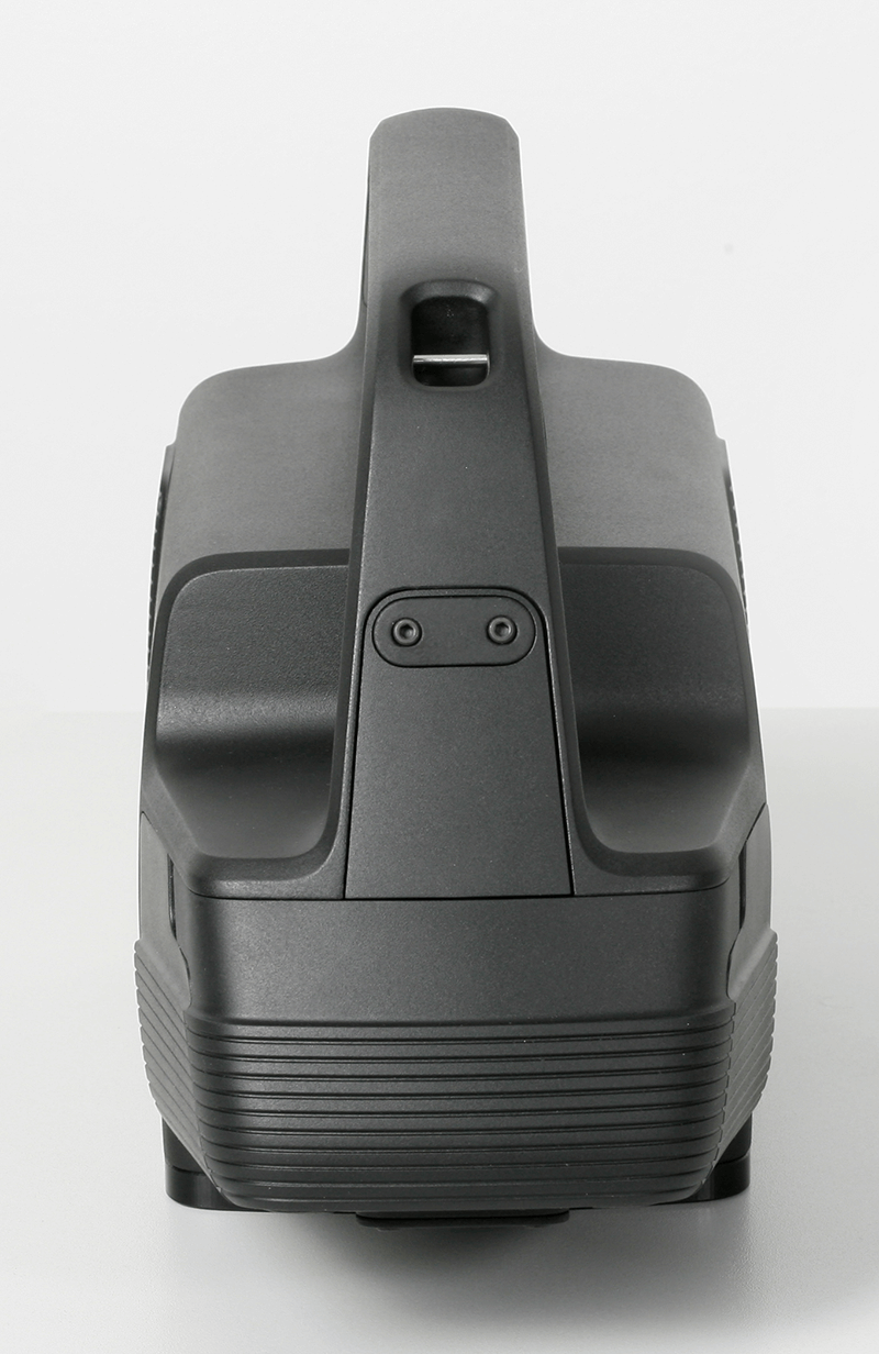 Front view of the black measuring device LiPAD®-100 by LITEF photographed in the front view.