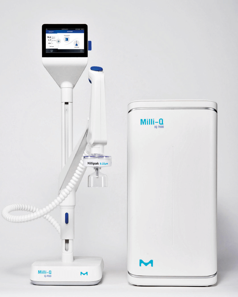 The Milli-Q fresh water system, consisting of two components in white-blue, photographed from the front view.